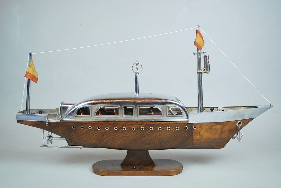 Art Deco boat model and wood and chromed metal
