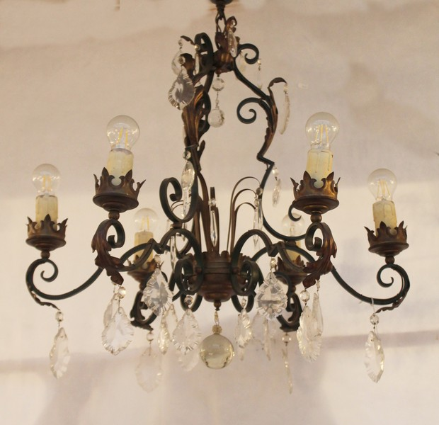 Chandelier with glass pendants