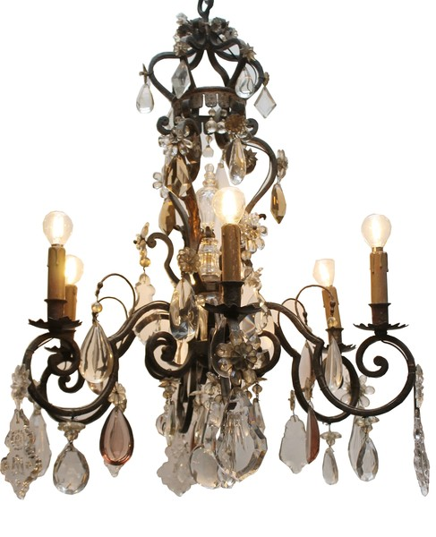 Chandelier with various pendants
