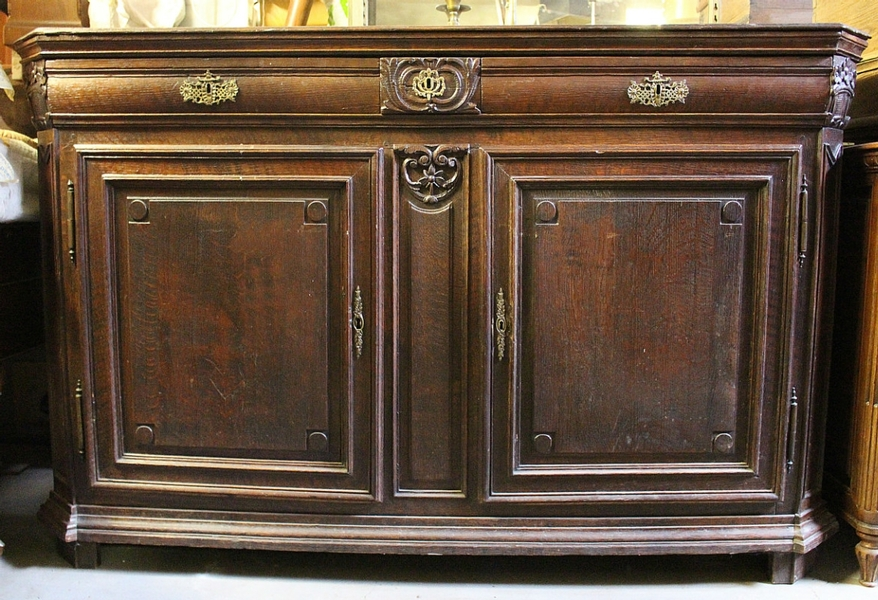 Chest of drawers in oak, end of 18th c. from Liège, Belgium