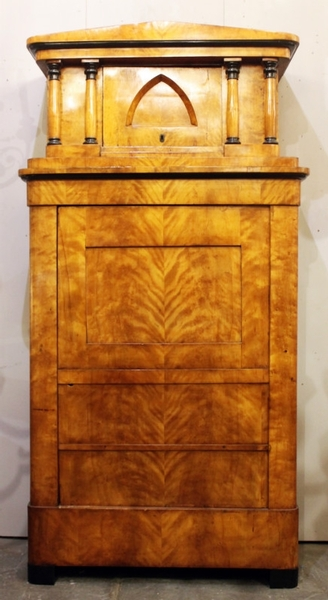 False pair of biedermeier cabinet in birch burl