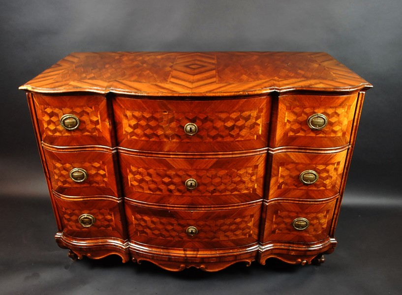 German baroque chest of drawers, cubic marquetry