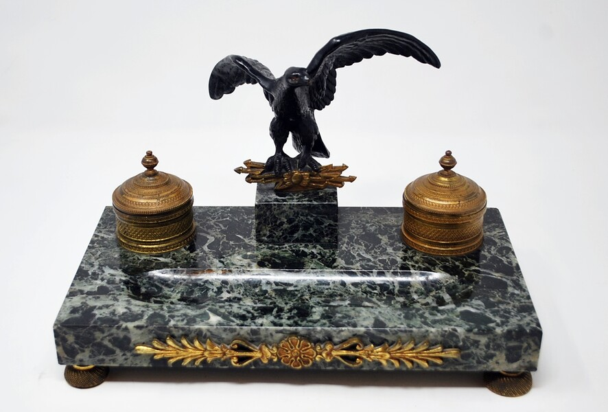 Inkwell in black and gilded bronze