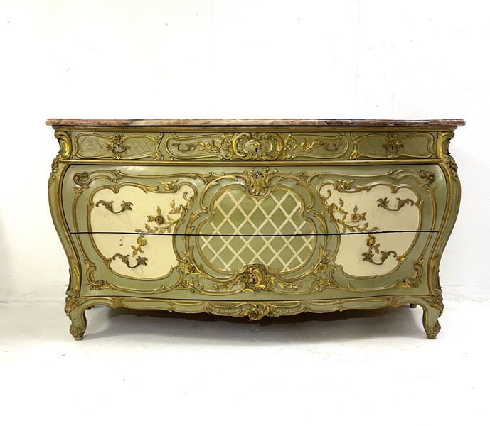 Louis XV style chest of drawers, circa 1900