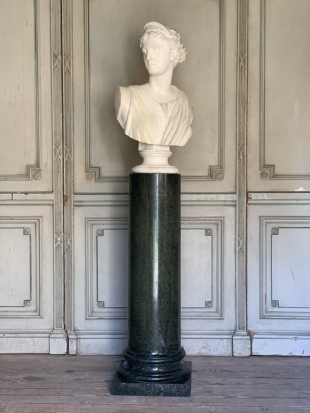 Marble Diana sculpture on a green marble column, signed Galleria Lapini