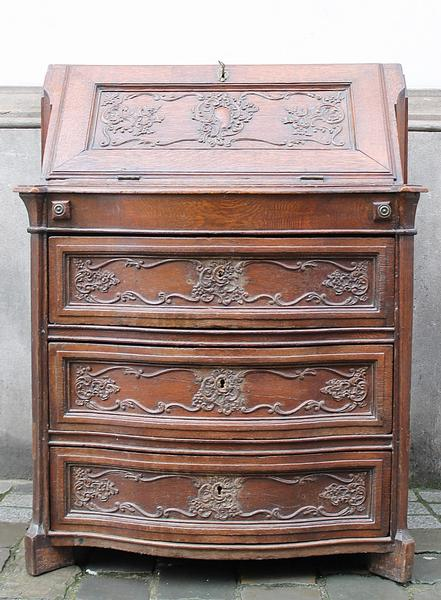 Oak writing desk, 18th c.