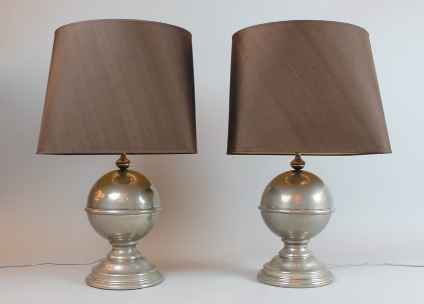 Pair of baluster-shaped lamps