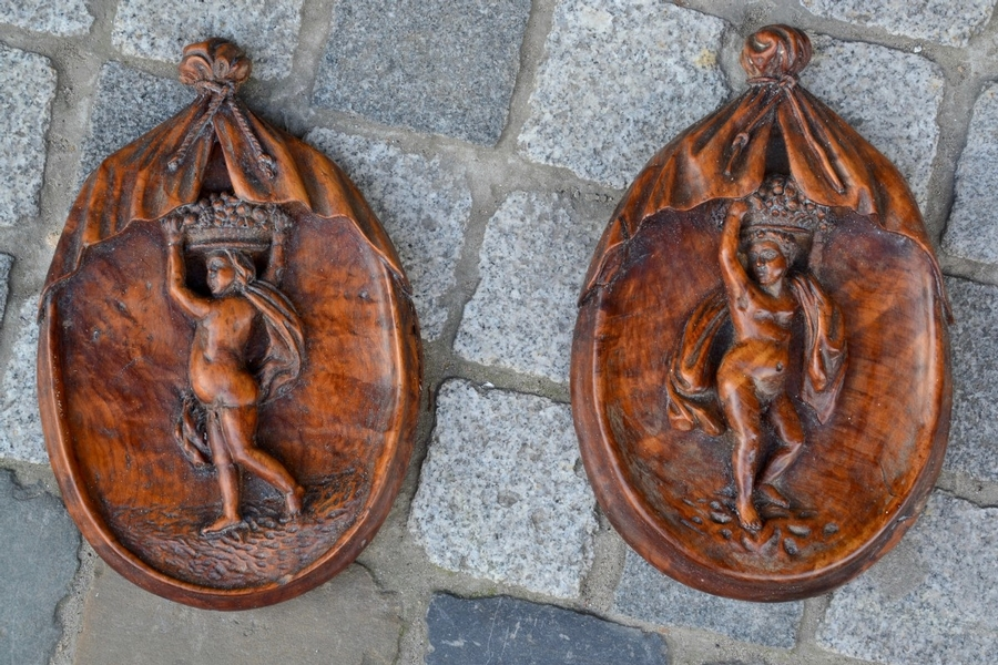 Pair of Carved Wooden Medaillons - 18th C.