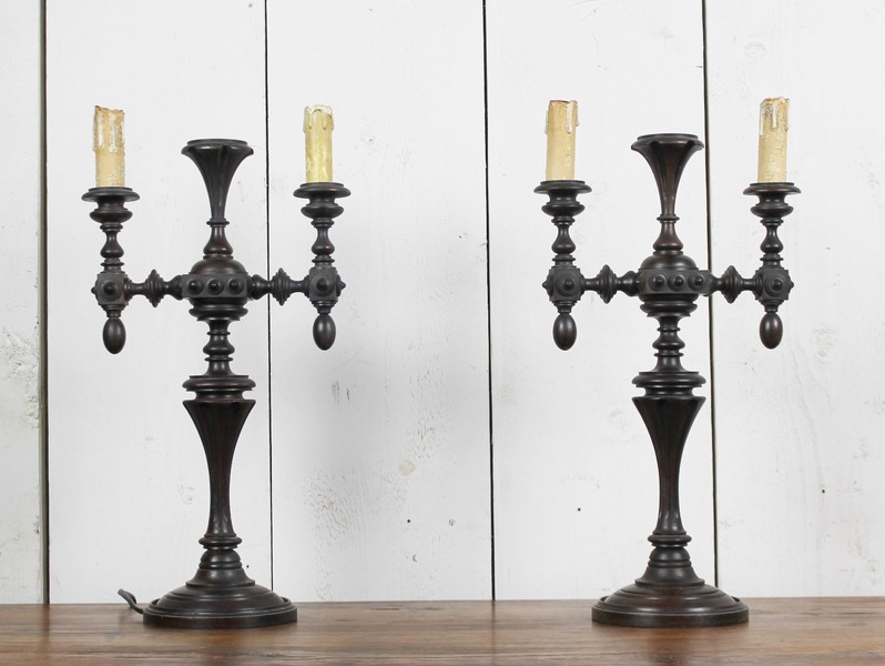 Pair of turned mahogany accent lamps