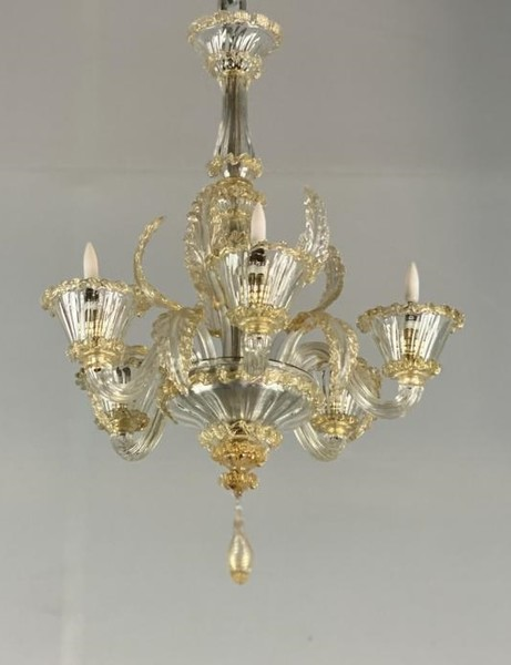 Venetian chandelier in gilded Murano glass, by Barovier